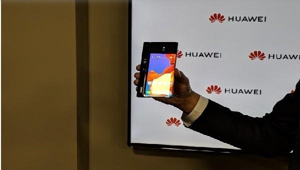 Chiếc điện thoại màn hình gập Mate X (5G) sẽ được Huawei bán ra thị trường  vào tháng 9/2019