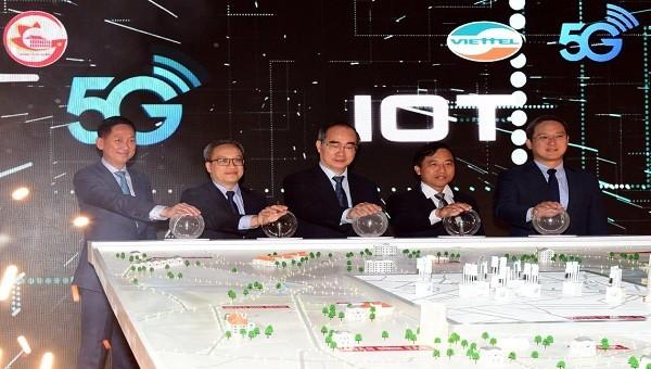 """Phát sóng 5G tại TP.HCM, Viettel """"biểu diễn"""" nhiều ứng dụng trên nền 5G"""