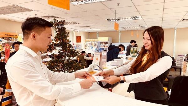 Làm việc xuyên Tết, Bưu điện Việt Nam không để chuyển phát ngưng trệ