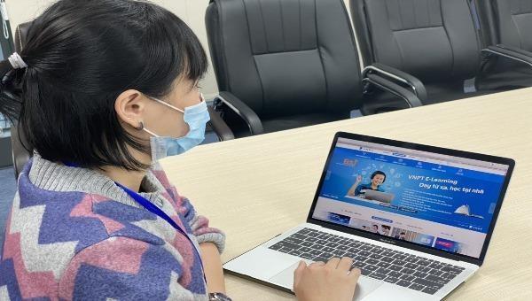 Giáo viên sử dụng phần mềm VNPT E-Learning  dạy học trực tuyến