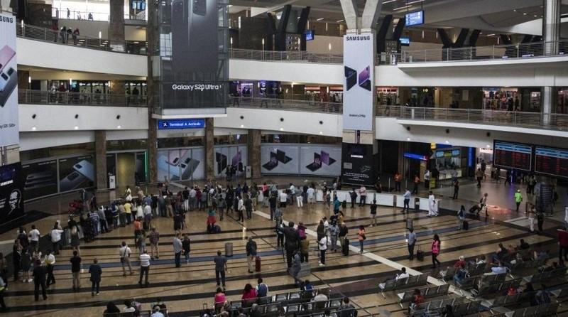 Trường hợp nhiễm Covid-19 đầu tiên ở Nam Phi đã qua được sân bay vì không có triệu chứng gì