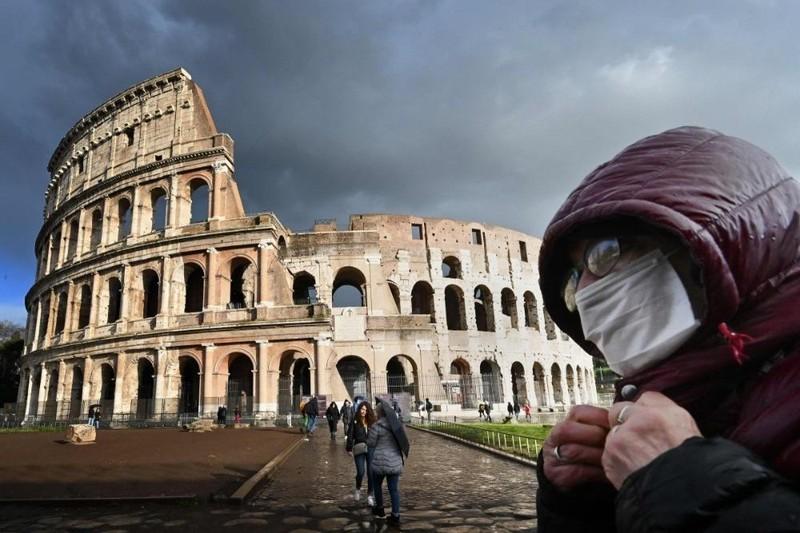 Ý chính thức phong tỏa 16 triệu người ở vùng Lombardy vì COVID-19