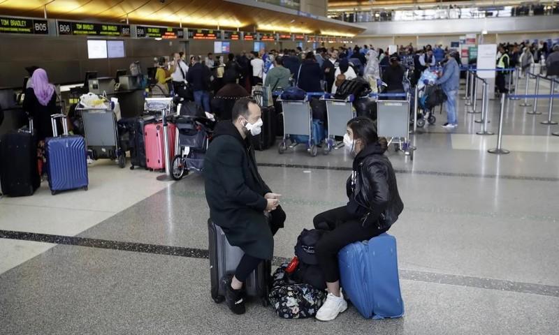 COVID-19 lan rộng, ngành du lịch khủng hoảng, các hãng hàng không điêu đứng