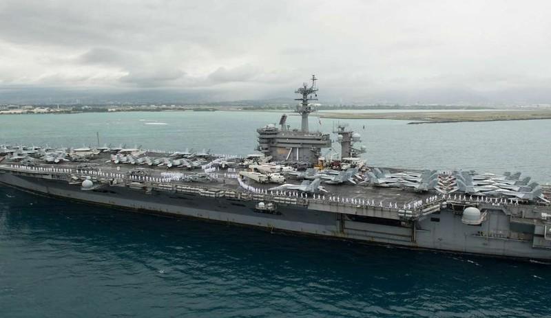 Tàu sân bay USS Theodore Roosevelt của Mỹ.
