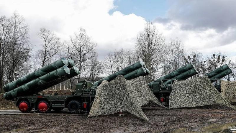 "Nga khoe sức mạnh của ""rồng lửa"" S-400 ở Crimea"