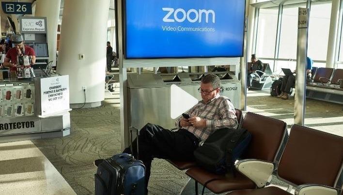 "Zoom xin lỗi sau hàng loạt ""lùm xùm"" bảo mật"