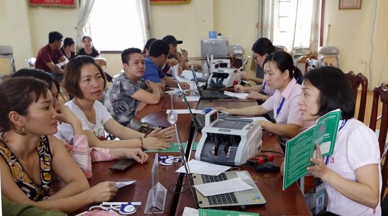 Hà Nội sẽ ủy thác 650 tỷ đồng qua NHCSXH TP để cho người nghèo vay vốn vượt khó (Hình ảnh chụp trước ngày 01/4/2020).