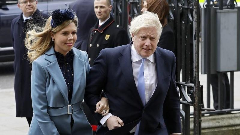 Tiết lộ về món đồ hôn thê Symonds gửi Thủ tướng Anh khi ông nằm viện