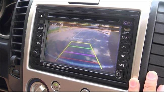 Ô tô sẽ phải có camera lùi mới được lưu thông?