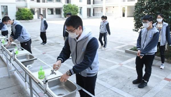 COVID-19 đang khiến nhiều thanh niên Trung Quốc suy nghĩ lại việc theo học đại học ở Mỹ. Ảnh: Tân Hoa Xã.