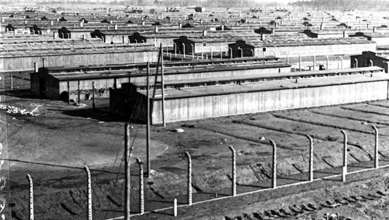 Địa ngục Auschwitz.