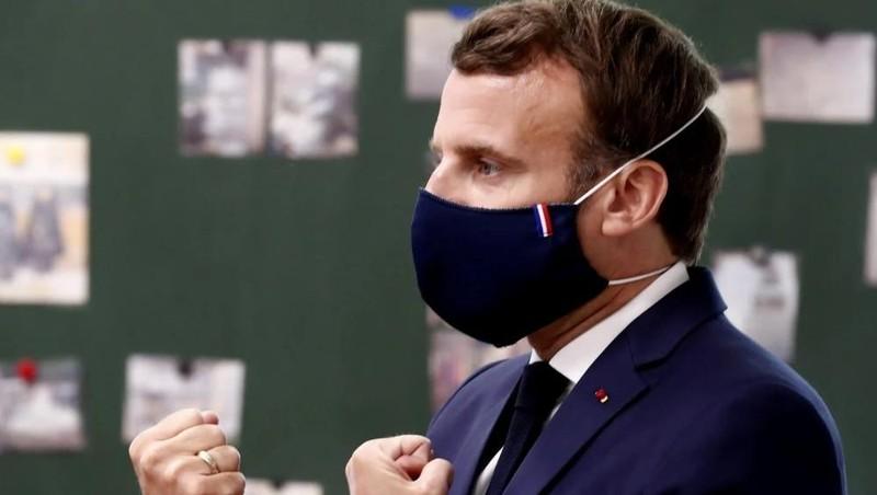 Trend thời trang khẩu trang của Tổng thống Pháp