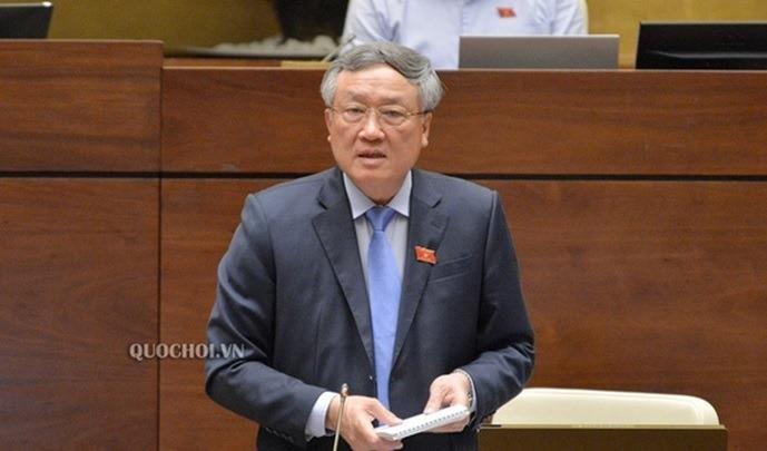 Chánh án TAND tối cao Nguyễn Hòa Bình giải đáp các thắc mắc của các đại biểu - Ảnh: Quochoi.vn