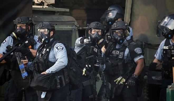Tổng thống Mỹ Trump nêu quan điểm về việc giải thể cảnh sát