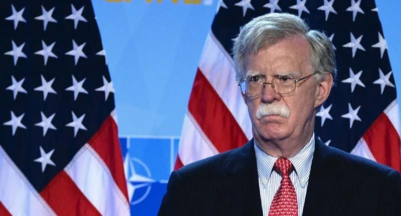 Chính trường Mỹ xôn xao vì cuốn sách của cựu cố vấn an ninh quốc gia