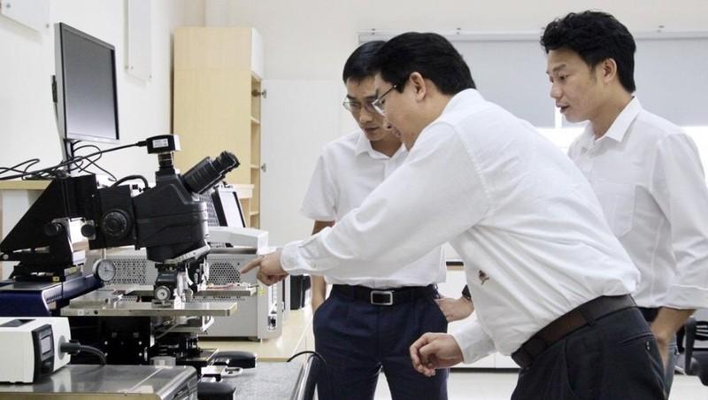 Doanh nghiệp và trường học bắt tay sản xuất chip 5G