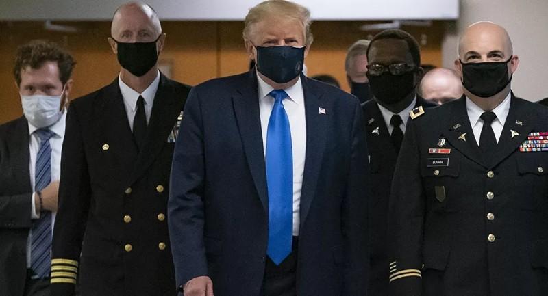 Cuối cùng thì Tổng thống Trump cũng đã đeo khẩu trang