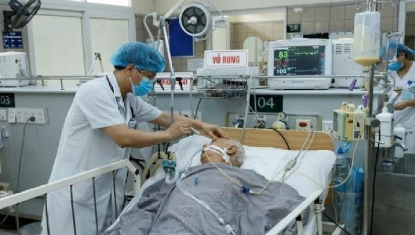 Bệnh nhân ngộ độc botulinum phải thở máy, liệt cơ hô hấp.