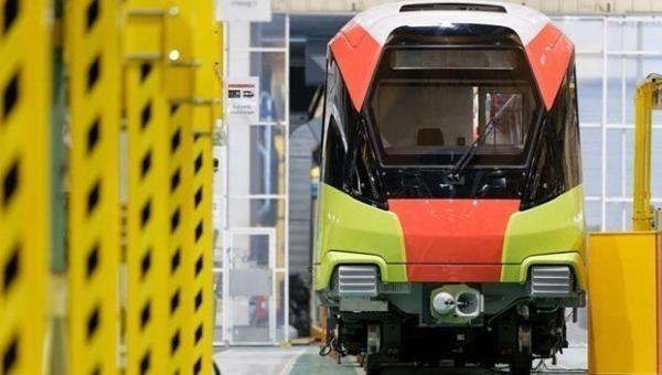Đoàn tàu đường sắt đô thị Nhổn-ga Hà Nội đang trên đường từ Pháp để về Việt Nam (Ảnh: Ban Quản lý dự án đường sắt đô thị Hà Nội cung cấp)