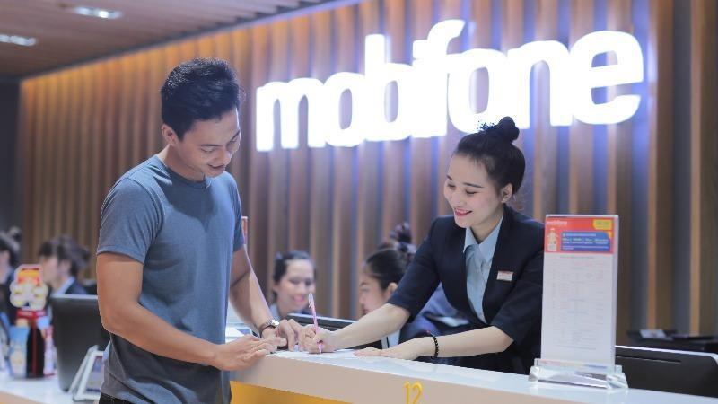 MobiFone thuộc nhóm đầu Top 500 doanh nghiệp có lợi nhuận tốt nhất Việt Nam năm 2020