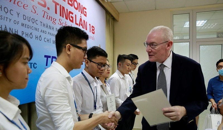 Trao hơn 8,5 tỷ đồng học bổng dành cho sinh viên cả nước của Quỹ Lawrene S.Ting