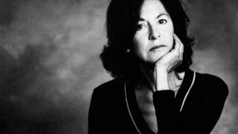 Nhà thơ Louise Gluck.