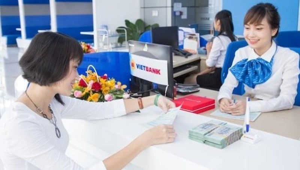 NAPAS và VIETBANK ra mắt thẻ trả trước nội địa thanh toán không tiếp xúc trong giao thông