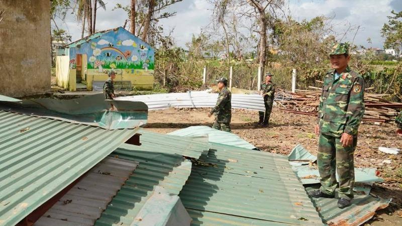 Hàng trăm trường học, cơ sở y tế của Quảng Ngãi bị hư hỏng sau bão lũ. Ảnh VGP/Quang Hiếu