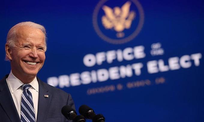 Tổng thống đắc cử Biden sẽ cùng nước Mỹ đối mặt với đại dịch COVID-19 như thế nào?