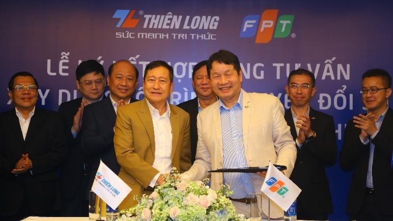 Đại diện Tập đoàn Thiên Long và Tập đoàn FPT ký kết Hợp đồng Tư vấn lộ trình chuyển đổi số toàn diện.