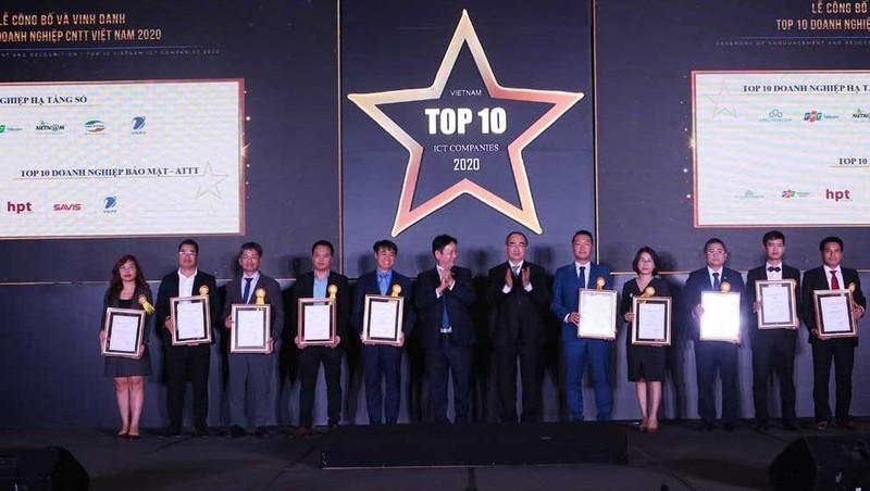 Công ty VNPT IT đã giành đồng thời vị trí top 10 ở ba hạng mục: doanh nghiệp cung cấp giải pháp chính phủ điện tử, doanh nghiệp Bảo mật - An toàn thông tin; doanh nghiệp cung cấp giải pháp CNTT cho thành phố thông minh.