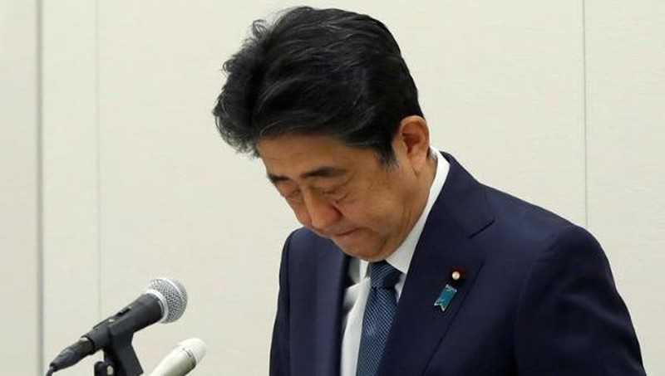 Cựu thủ tướng Nhật Abe Shinzo tại cuộc họp báo ở Tokyo hôm nay - 24/12. Ảnh: Reuters.