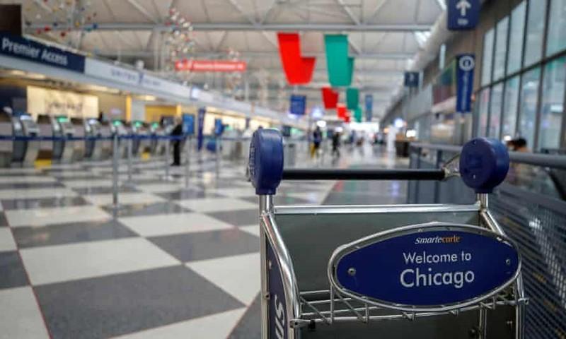 """Người đàn ông ở sân bay Chicago trong ba tháng vì """"sợ Covid-19"""""""