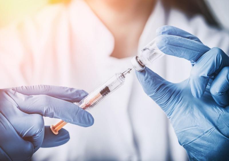 """Xem xét biện pháp phòng chống dịch phù hợp khi triển khai """"hộ chiếu vaccine"""""""