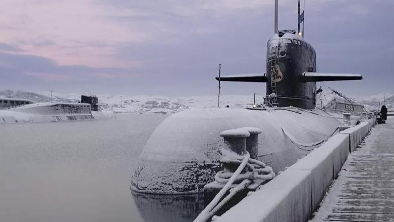 Màn thao diễn độc nhất vô nhị của tàu ngầm hạt nhân Nga ở Bắc Cực