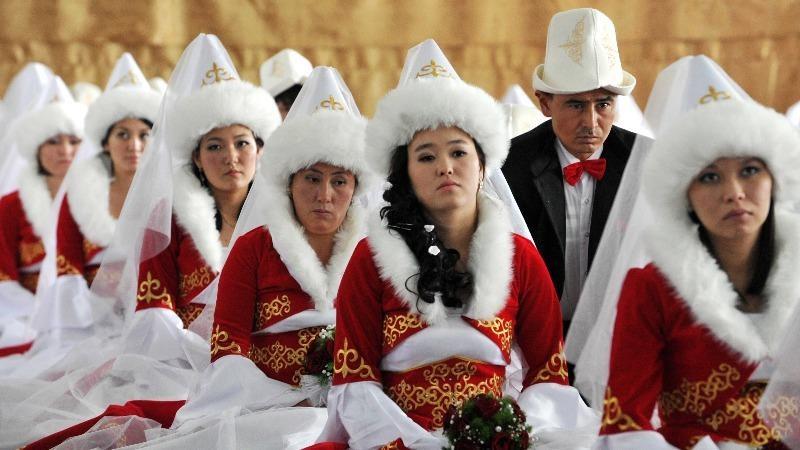 """Kêu gọi chấm dứt tình trạng """"trộm cắp cô dâu"""" ở Kyrgyzstan"""
