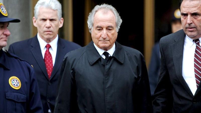 Ông trùm lừa đảo khét tiếng Bernie Madoff qua đời trong tù