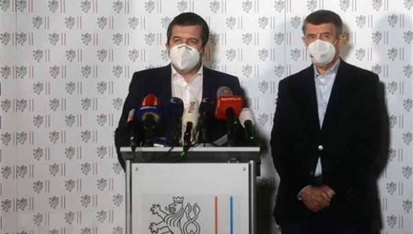 """Chưa có tiền lệ: """"Cuộc chiến"""" trục xuất nhân viên ngoại giao Séc - Nga"""