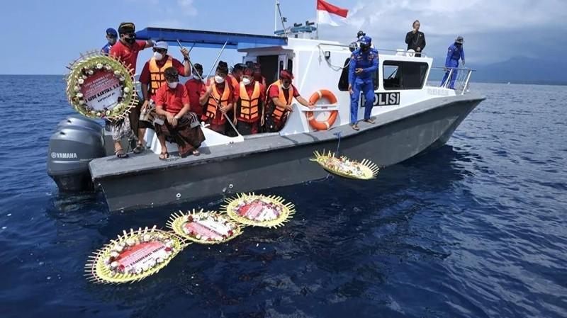 Thăng quân hàm cho các thủy thủ thiệt mạng trên tàu ngầm Indonesia bị chìm