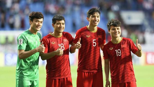 'Lộ diện' 3 cầu thủ Việt nổi tiếng nhất trên truyền hình