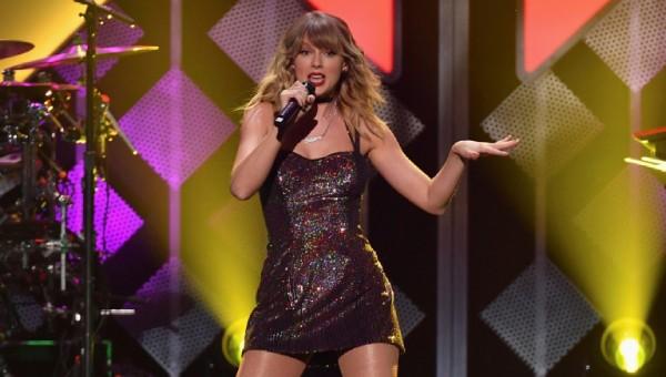 Taylor Swift hào hứng thông báo sự kiện trọng đại