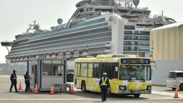 Hai cựu hành khách tàu Diamond Princess chết tại bệnh viện