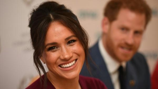 """Vợ chồng Hoàng tử Harry và Meghan đưa 4 báo Anh vào """"danh sách đen"""""""