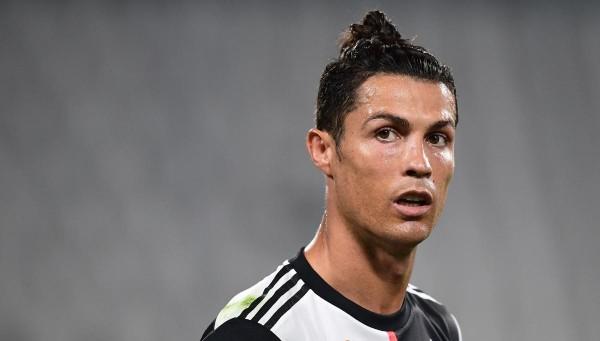 Ronaldo dương tính với Covid-19