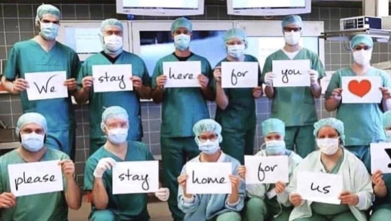 'Chúng tôi đi làm vì bạn, hãy ở nhà vì chúng tôi'