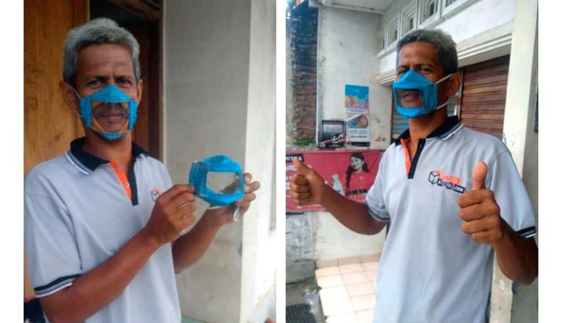 """""""Khẩu trang trong suốt"""" - thay thế phần giữa bằng nhựa trong suốt - giúp người khiếm thính giao tiếp tự nhiên hơn vì có thể nhìn thấy môi. Ảnh: Courtesy of/Dwi Rahayu Februarti."""