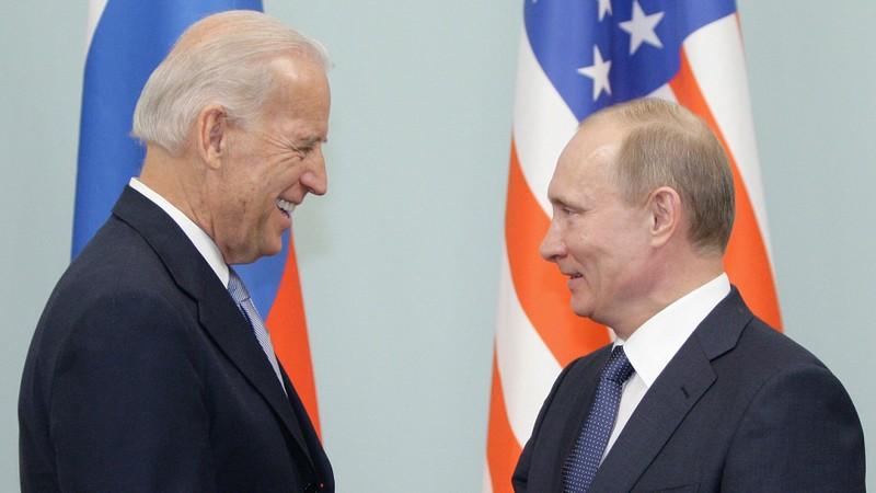 Tại sao Tổng thống Nga chưa chúc mừng ông Biden thắng cử?