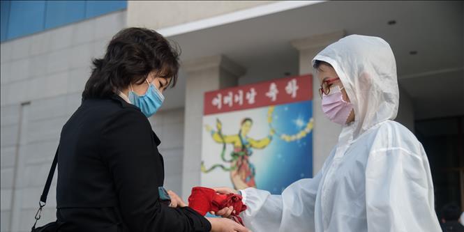 Dịch Covid-19 sáng ngày 4/12: Nga lại có kỉ lục mới về ca nhiễm trong ngày, LHQ chỉ trích các nước coi thường Covid-19
