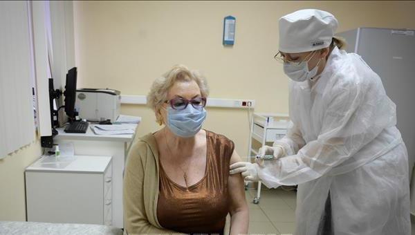 Dịch Covid-19 sáng ngày 26/1: Vượt mốc 100 triệu người nhiễm; Tổng thống Mỹ ký sắc lệnh hạn chế đi lại từ châu Âu, Brazil và Nam Phi