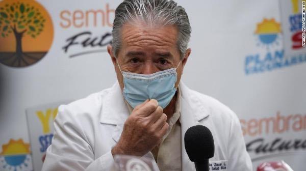 Bộ trưởng Y tế Ecuador Juan Carlos Zevallos.